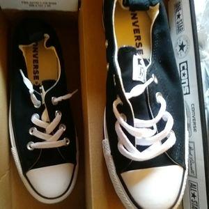 Ladies Converse tennis shoes